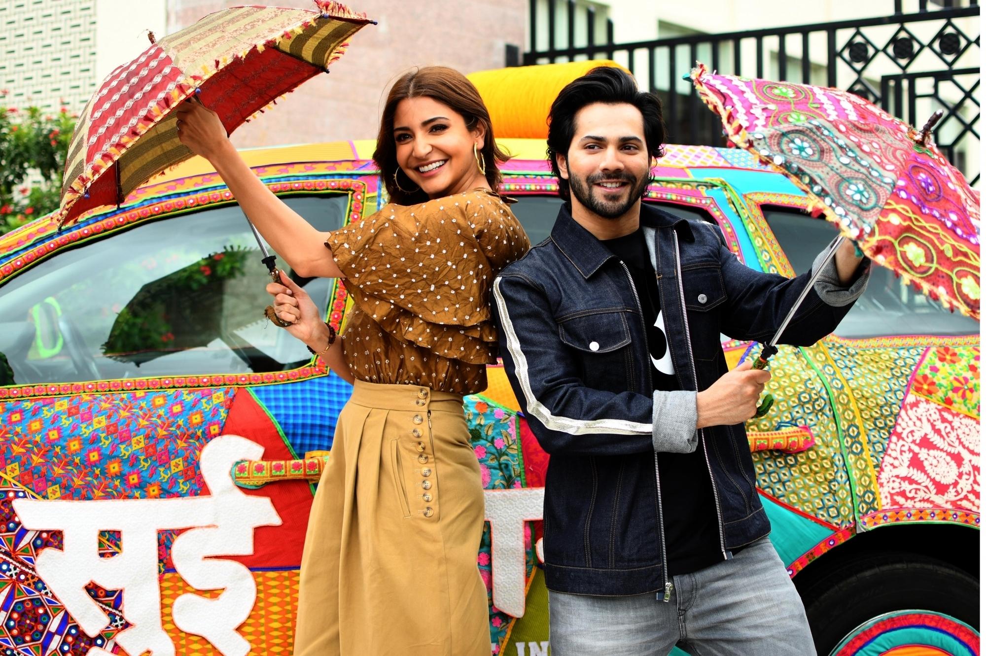 Anushka perfects 'charkha' for 'Sui Dhaaga' – Azhimukham English